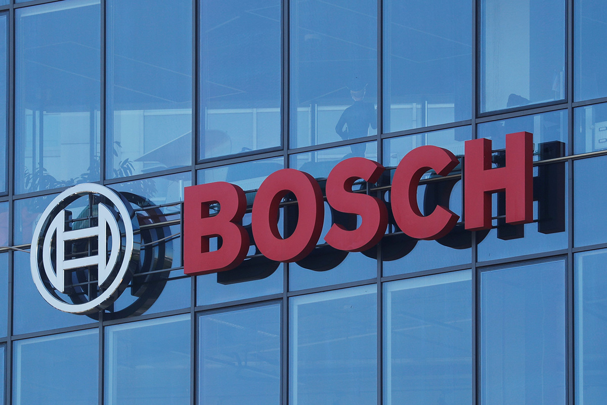 bosch-commemorates-100-years-of-bosch-car-service