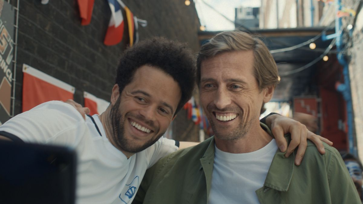 leonardo-di-crouchy-o:-peter-crouch-is-back-on-screen-for-paddy-power-euro-2020-tv-ad