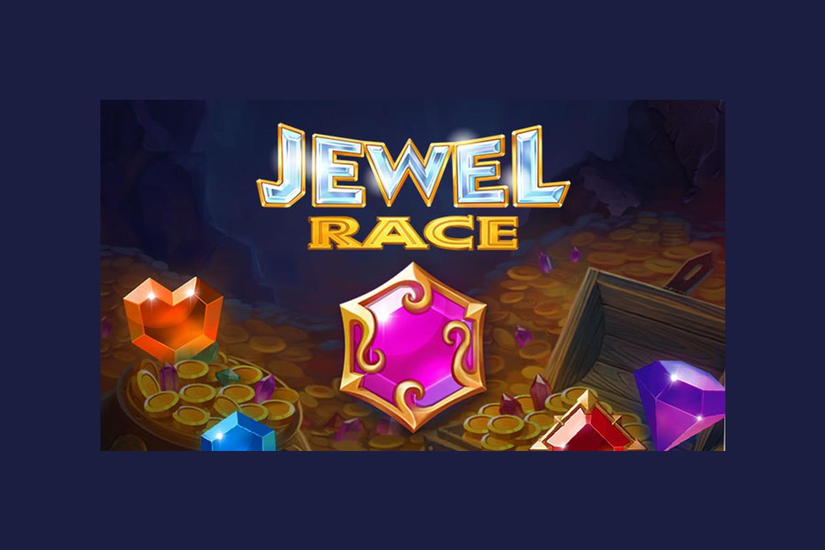 golden-hero-introduces-a-trick-or-treat-in-jewel-race-halloween